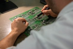 Controllo schede elettroniche SMD 6-Picotek Mirandola